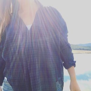 Navy plaid RELAXED/COMFORTABLE oversized top.